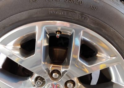 DENT STATION PLUS - polished alloy wheel repaired after